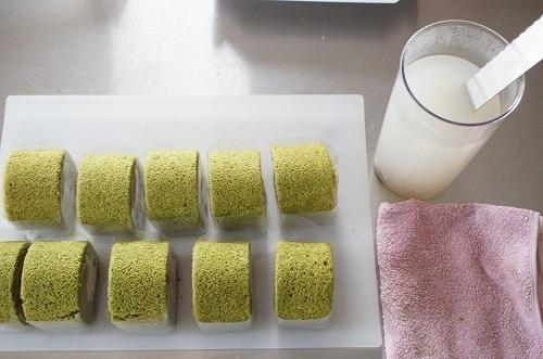 小豆抹茶ロールケーキ